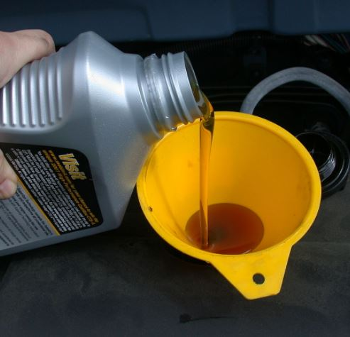 Figure 6._Checking Excavator Gearbox Oil Level